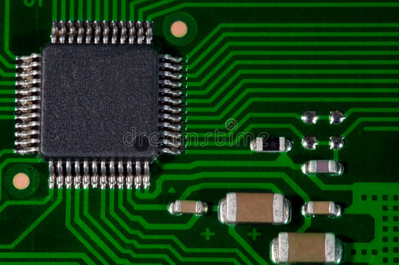 Macro van elektronische PCB van de kringsraad in groen stock afbeelding
