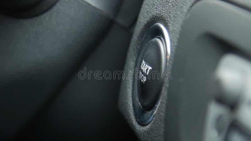 Macro van het motorbegin en einde knoop van een auto royalty-vrije stock foto