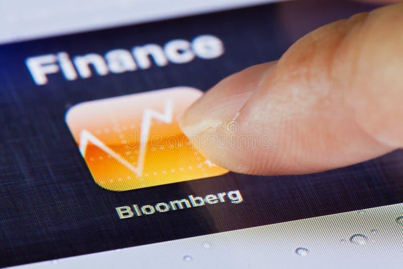 Macrobeeld van het leiden van Bloomberg app op een iPad stock fotografie
