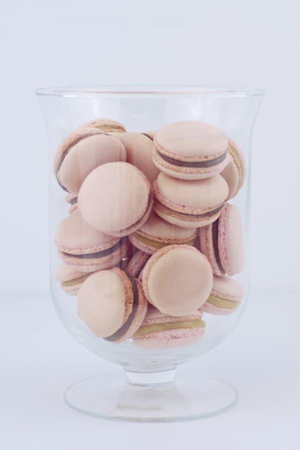 Macrons шоколада клубники & карамельки стоковые фото