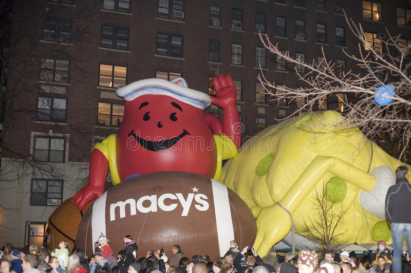 Download Macy's balloon inflation editorial photography. Image of thanksgiving - 17150457