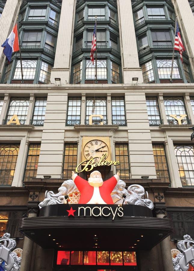 Macy ` s Wydziałowy sklep Nowy Jork podczas bożych narodzeń obraz stock