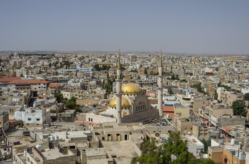 Madaba, Jordânia - 3 de junho de 2016: Vista panorâmica sobre o centavo da cidade foto de stock royalty free