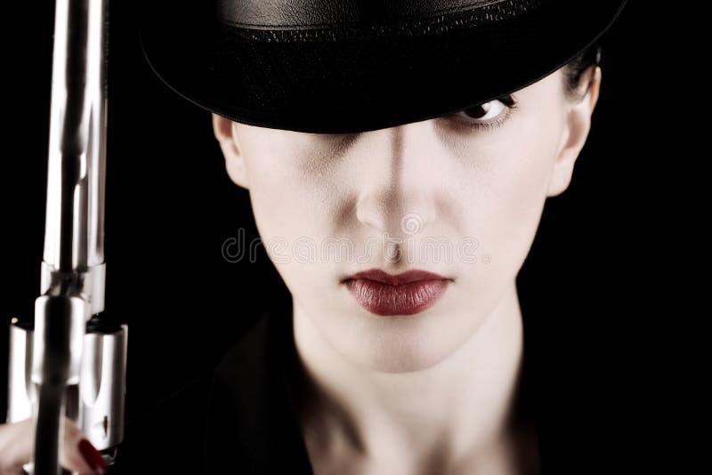 Madame avec un revolver photos libres de droits