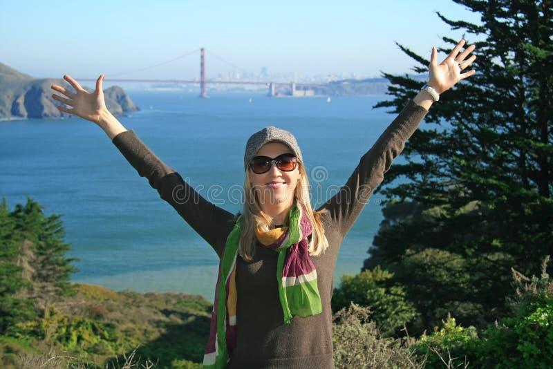 Madame dans SF, pont en porte d'or photographie stock libre de droits