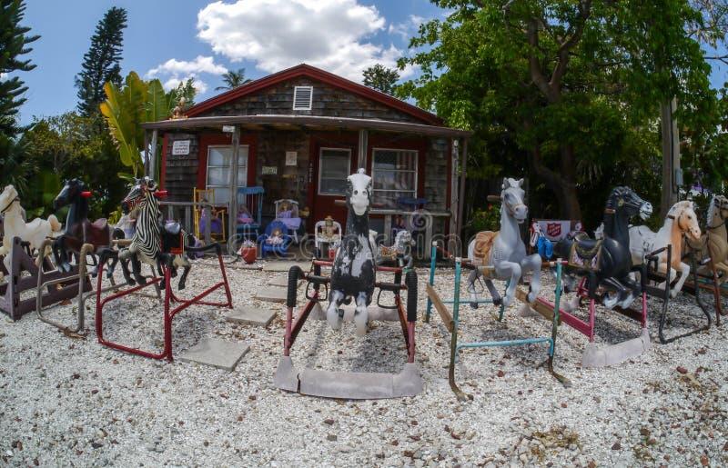 Madame de poupée de Matlacha la Floride images libres de droits