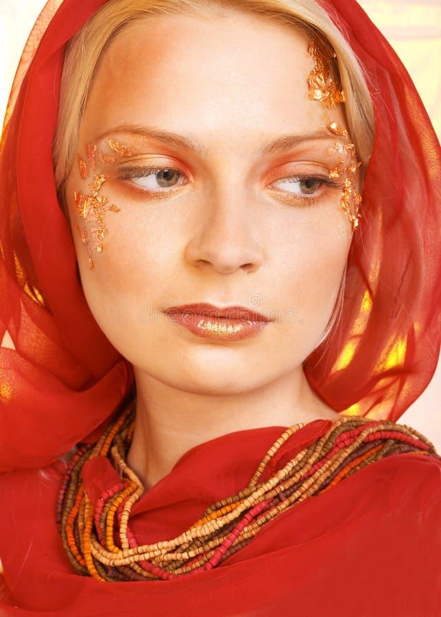 Madame en rouge photo libre de droits