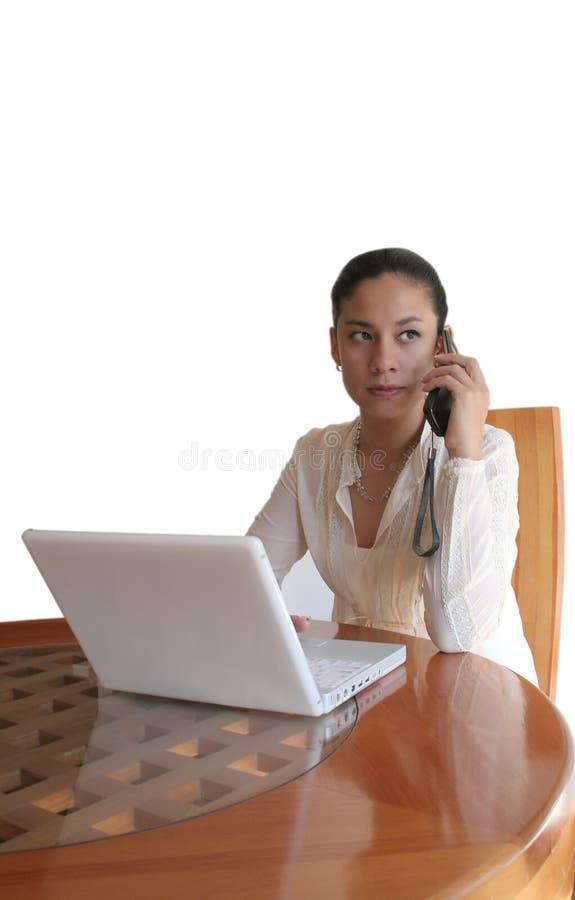 Madame parlant au téléphone image libre de droits