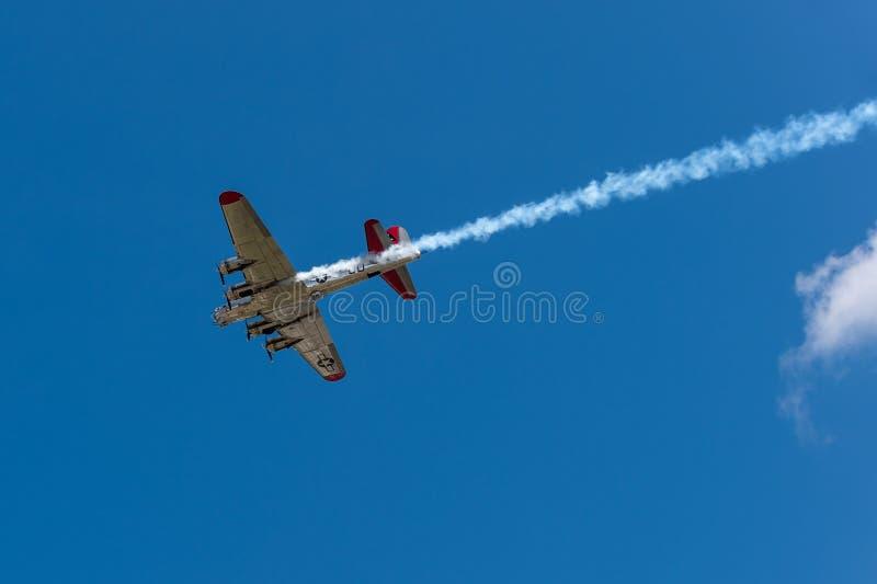 Madame With Smoke Trail de yankee aérien photos libres de droits