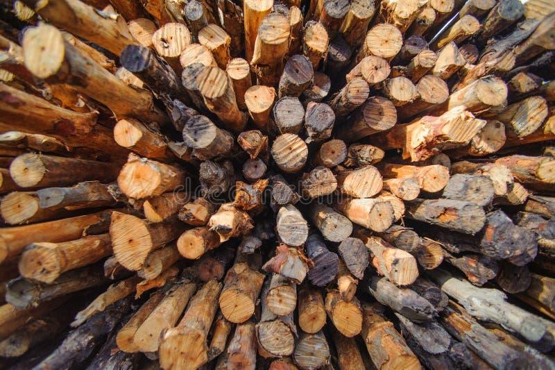 A madeira da inflamação ou do fogo é empilhada fotografia de stock royalty free