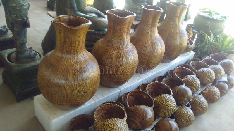 Madeira feito a mão do vaso imagem de stock