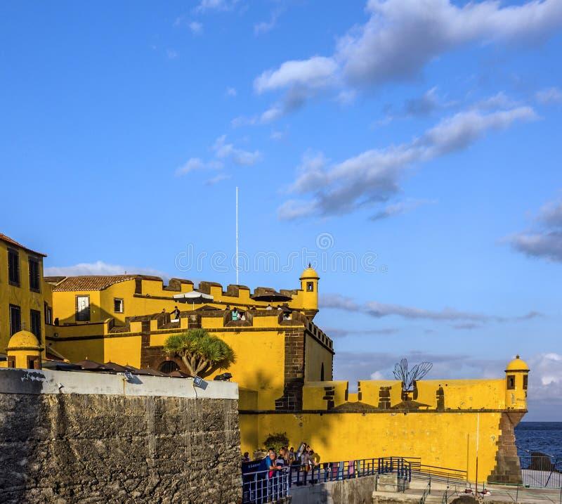Madeira in Portugal Funchal - altes Schloss Fortaleza de Sao Tiago stockfotografie
