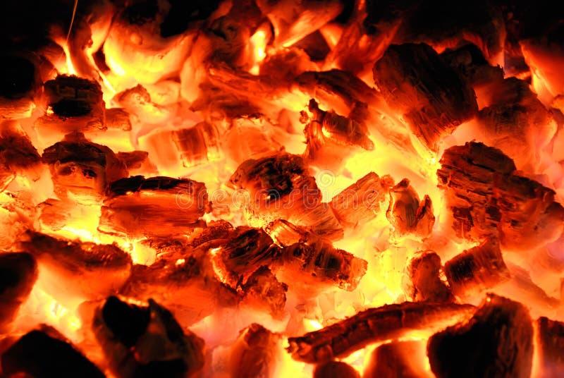 A madeira queima-se no incêndio imagens de stock royalty free