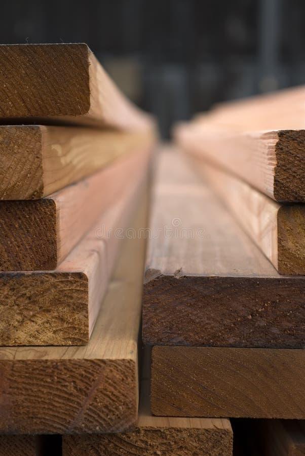 Madeira serrada do Redwood fotos de stock