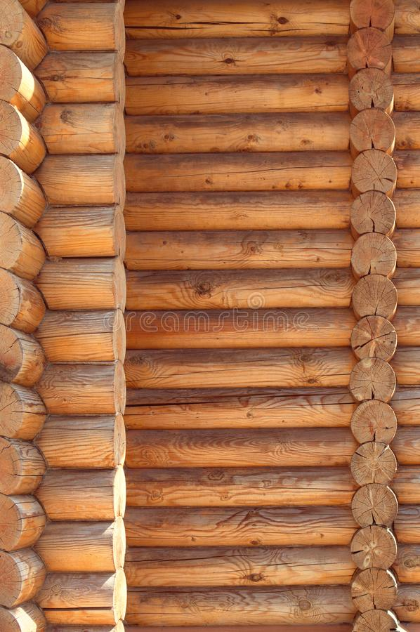 Madeira tratada dobrada paralela da textura Construção antiga da tecnologia da cabana do log do russo, das casas de campo da casa imagens de stock