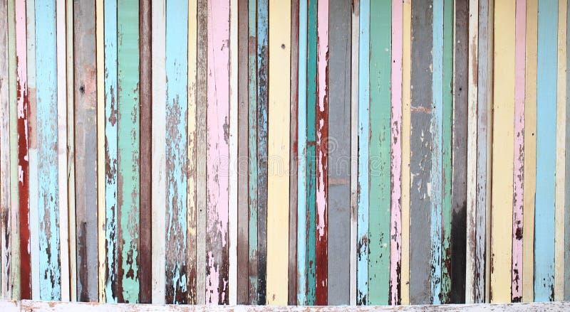 Madeira velha a uma textura do fundo da parede fotografia de stock royalty free