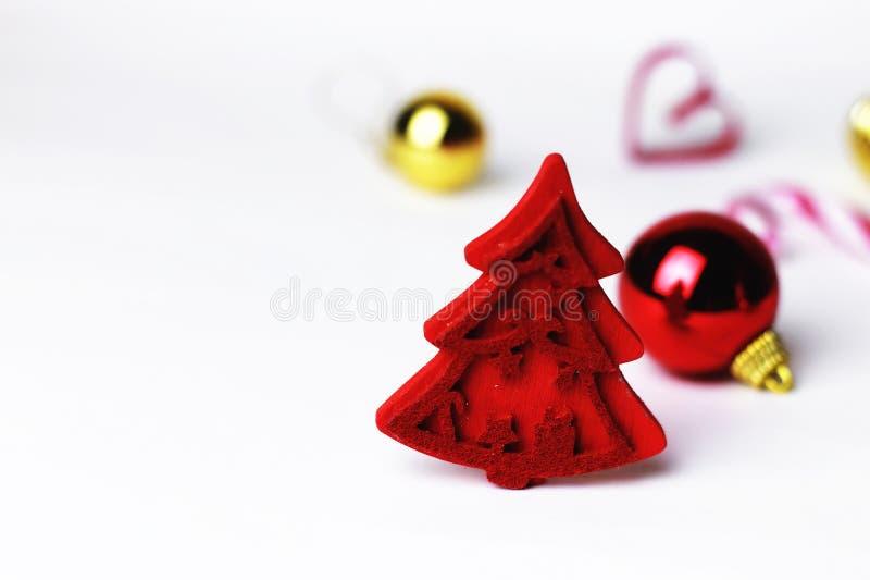 Madeira vermelha da árvore da decoração do Natal fotos de stock royalty free
