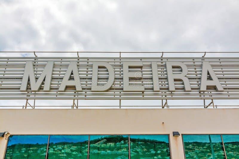 Madeirabokstäver på flygplatsen royaltyfria foton
