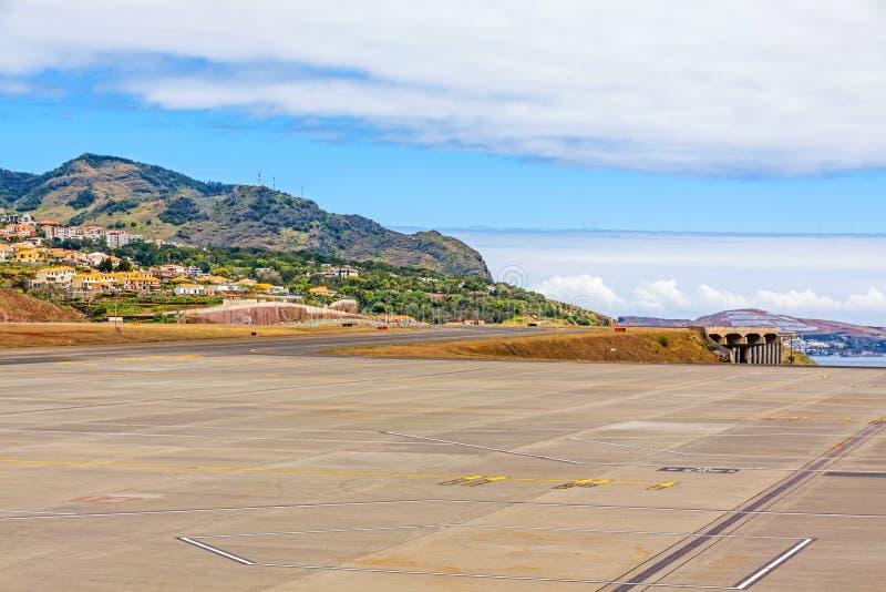 Madeiraflygplatslandningsbana royaltyfri fotografi