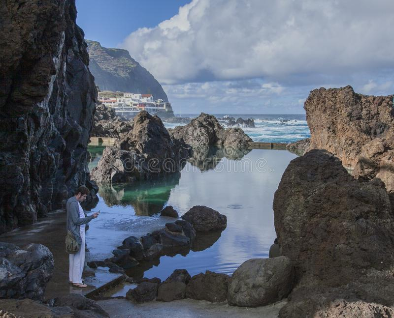 Madera, Portugalia, Europa - naturalni baseny przy Porto Moniz obraz stock