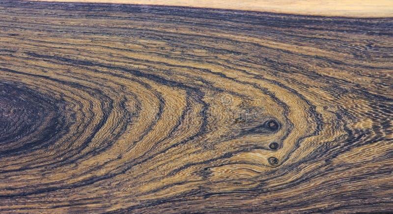 Madera real rayada para la decoraci?n interior de las impresiones de la imagen, modelo hermoso de madera ex?tico para los artes foto de archivo