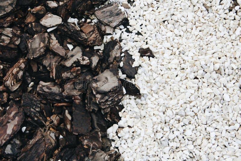Madera y piedras naturales de la textura imagenes de archivo