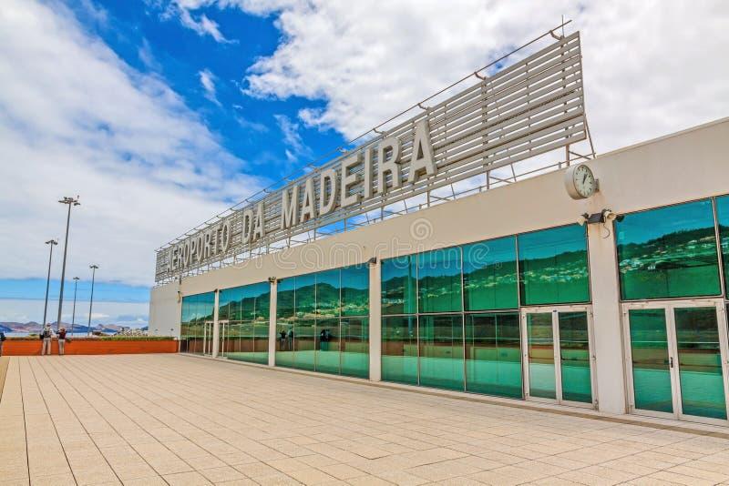 Madery lotnisko z literowaniem, zewnętrzny widok obrazy stock