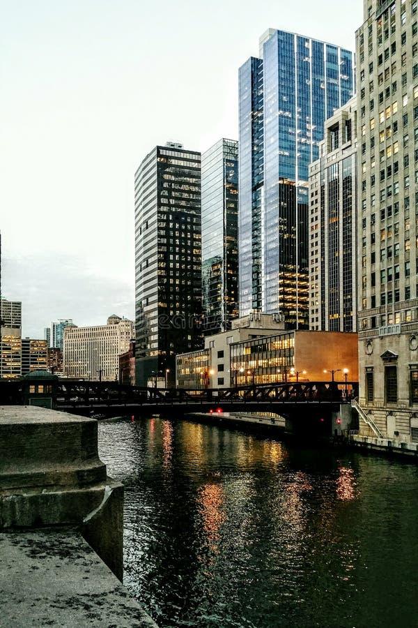 Madison most nad Chicagowską rzeką obrazy royalty free
