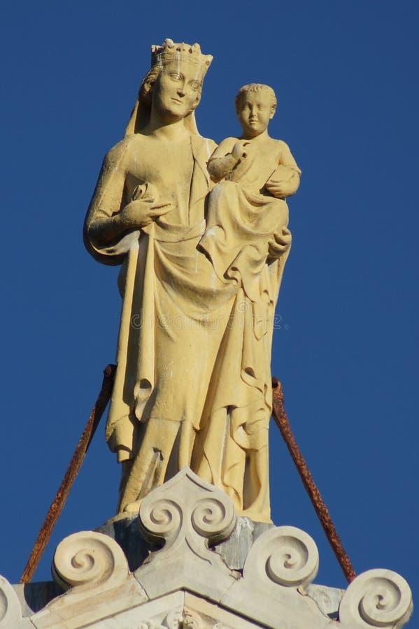 Madonna & ребенок в соборе Пизы стоковое фото rf