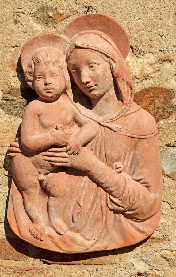 Madonna com criança - decoração do terracotta imagem de stock royalty free