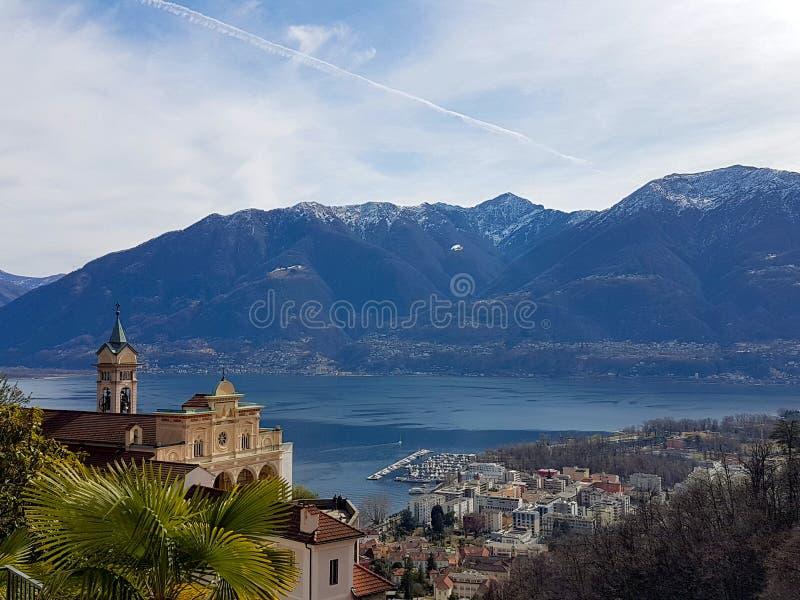 Madonna del Sasso dal lago Maggiore fotografia stock libera da diritti