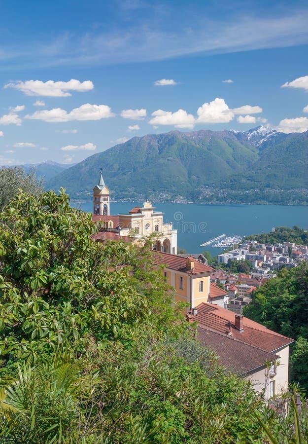 Madonna del Sasso Igreja, cantão de Locarno, Ticino, Suíça imagem de stock