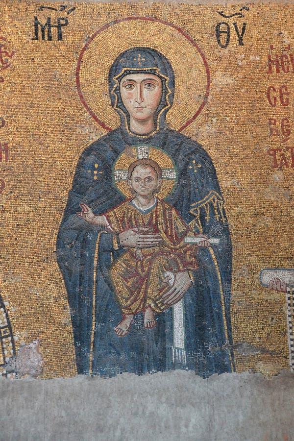 Download Madonna e bambino fotografia stock. Immagine di cattedrale - 55354212