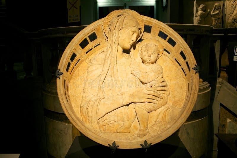Madonna e criança, Toscânia, Siena, Itália fotos de stock royalty free