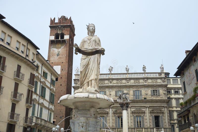 Madonna Verona Fountain stock foto's