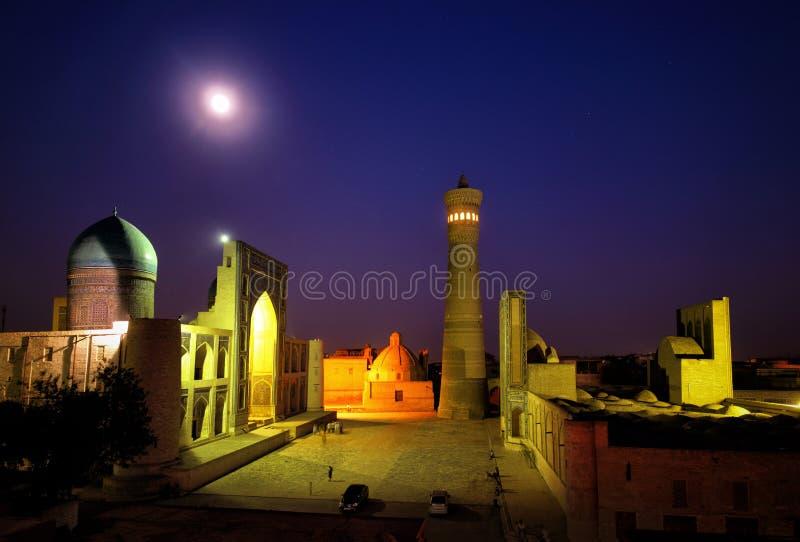 Madrasah Mir-i-Arab e Kalyan Minaret em Bukhara Usbequistão imagem de stock royalty free