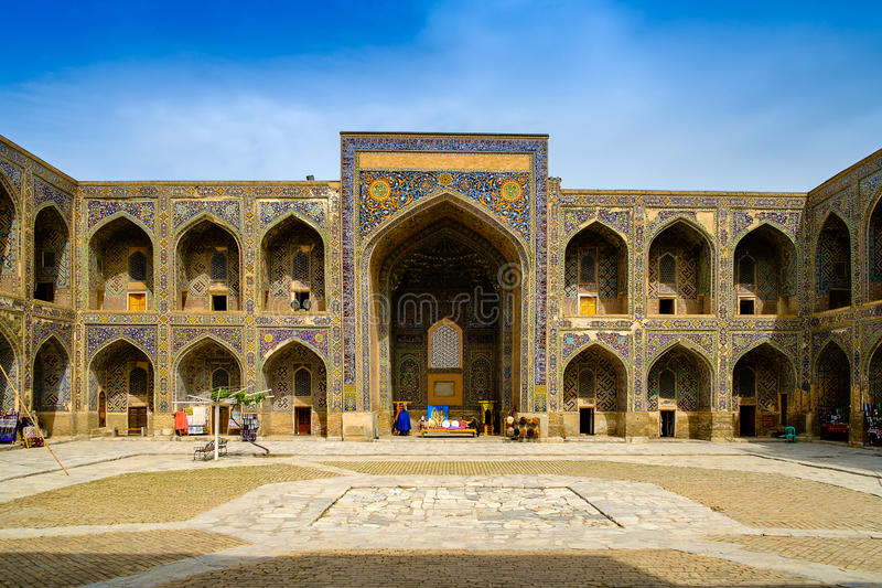 Madrasah Sher Dor auf Registan-Quadrat, Samarkand stockfotos