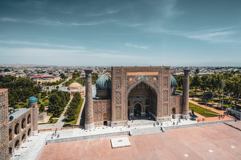Madrasah Sher Dor auf Registan-Quadrat, Samarkand, Usbekistan lizenzfreies stockfoto