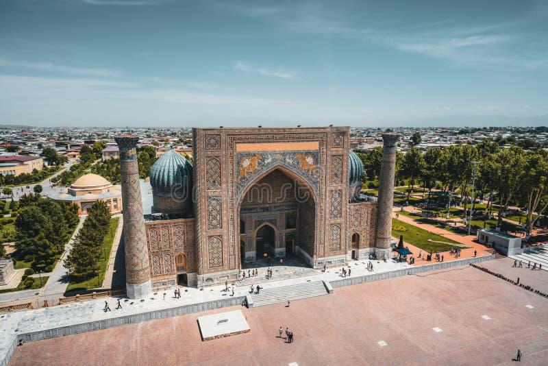 Madrasah Sher Dor auf Registan-Quadrat, Samarkand, Usbekistan stockfoto
