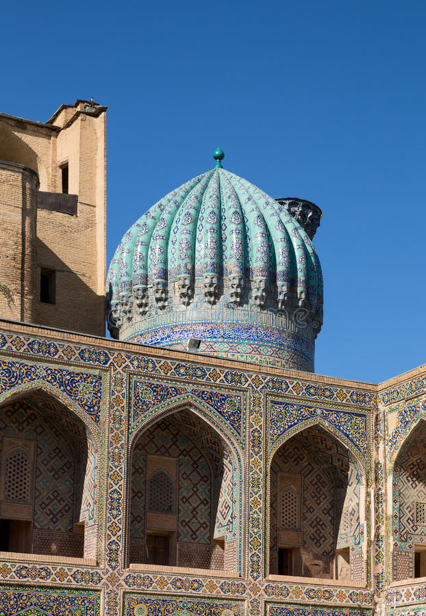 Madrasah Sher-Dor Detail der Fassade stockfoto