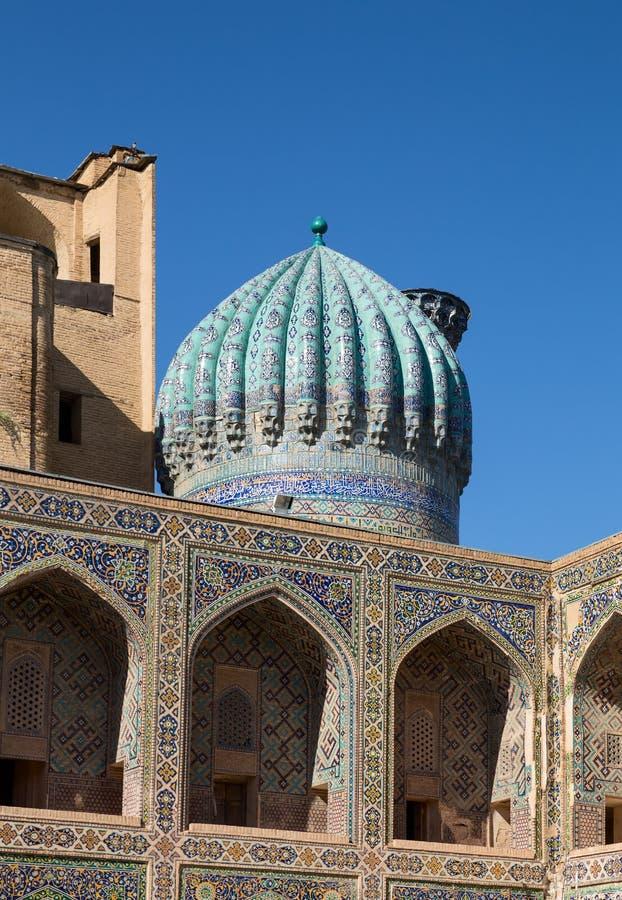 Madrasah Sher-Dor Detalhe da fachada foto de stock
