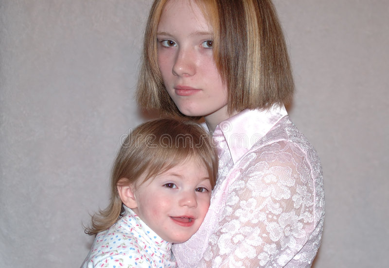 Download Madre adolescente/hermanas imagen de archivo. Imagen de madre - 175119