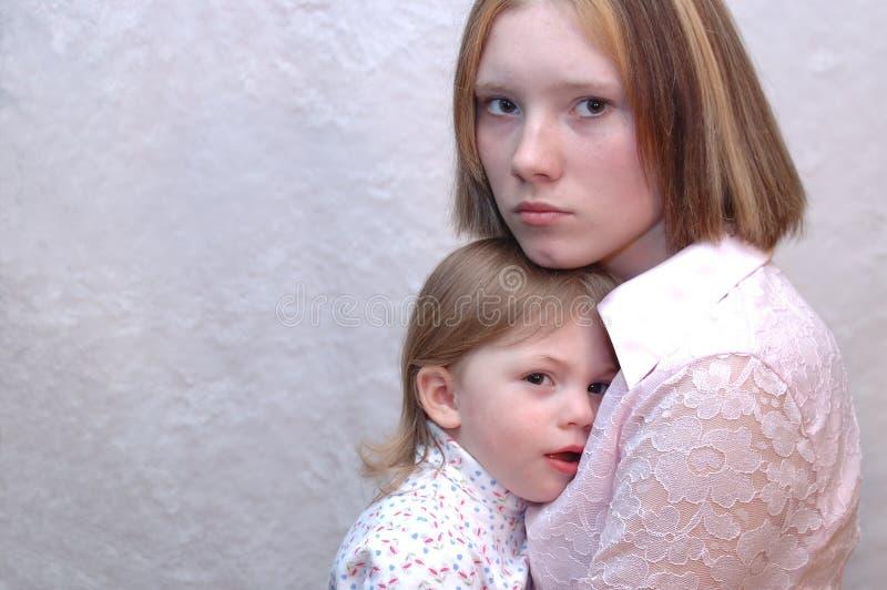 Madre adolescente/sorelle fotografia stock libera da diritti