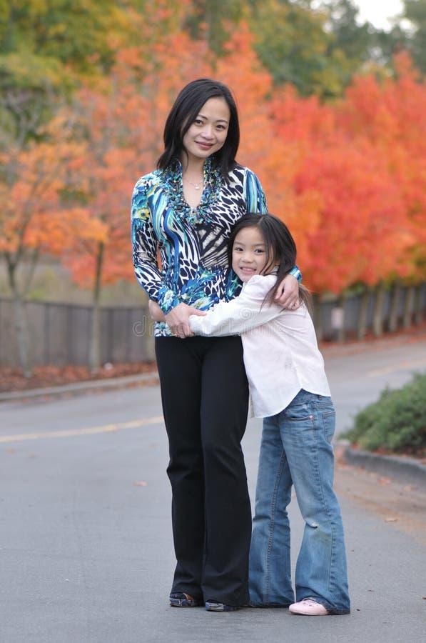Madre & figlia fotografia stock libera da diritti