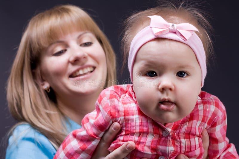 Madre con la hija imagen de archivo