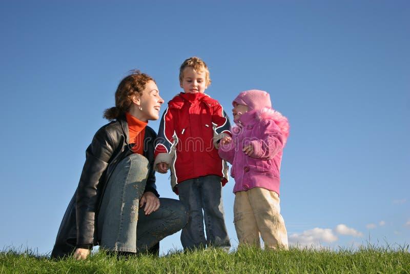 Madre con los niños foto de archivo libre de regalías