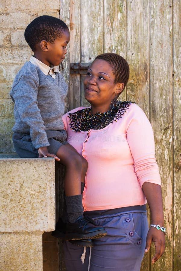 Madre con su hijo foto de archivo
