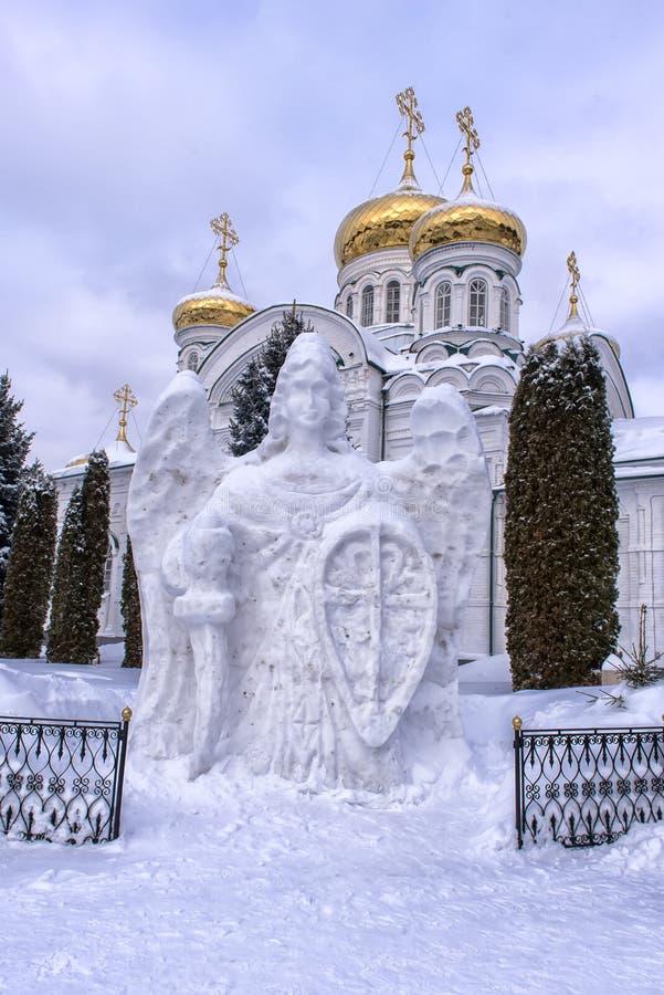 Madre de Raifsky del monasterio de dios en invierno foto de archivo