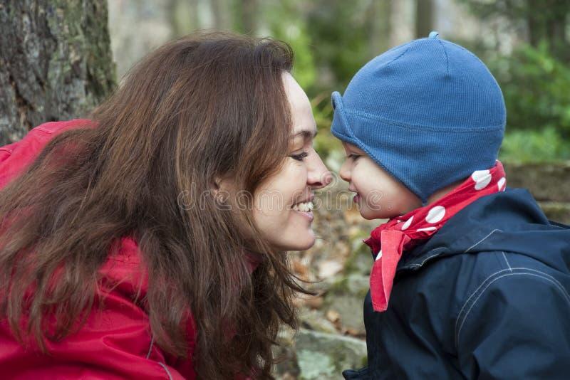 Madre e bambino fotografia stock libera da diritti