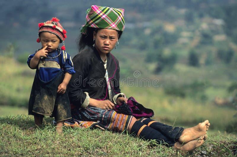 Madre e bambino di Hmong del fiore fotografia stock